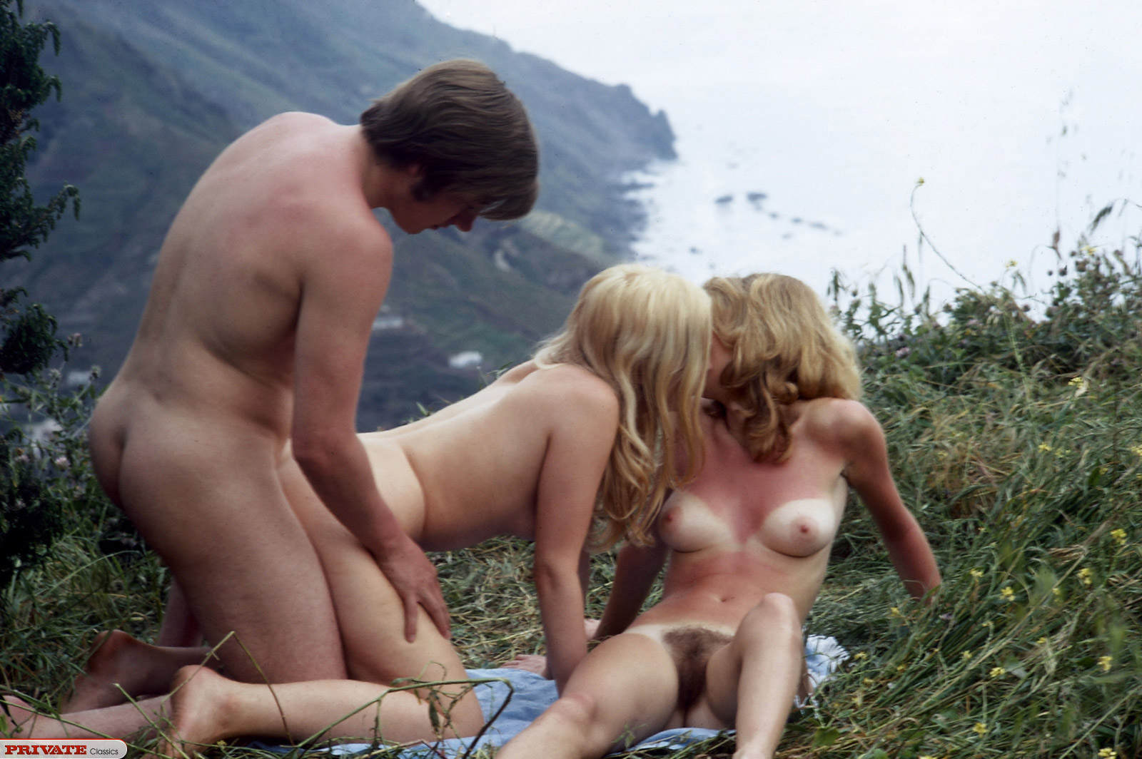 otdih-v-gorah-porno-film