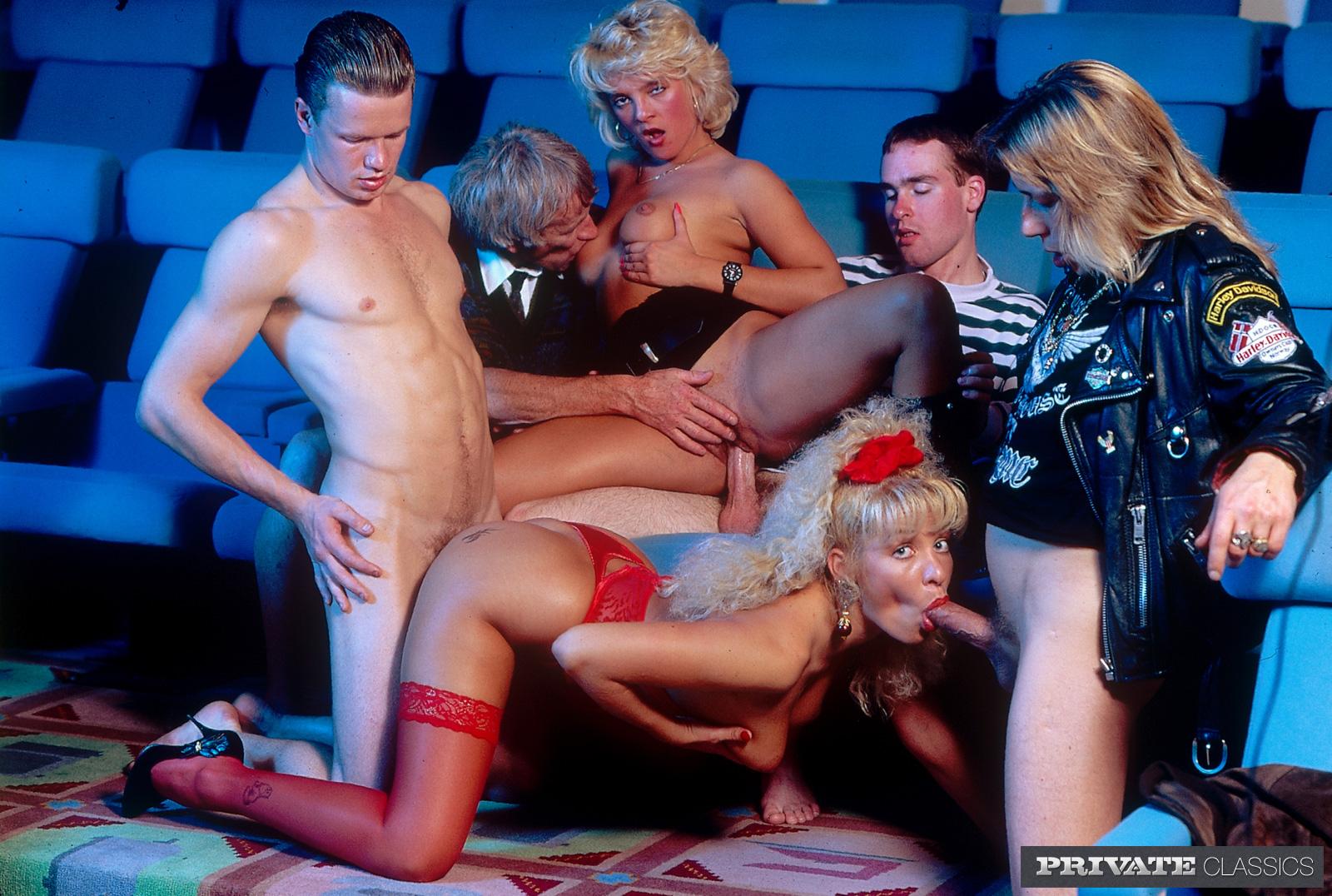 Порно в кинотеатрах