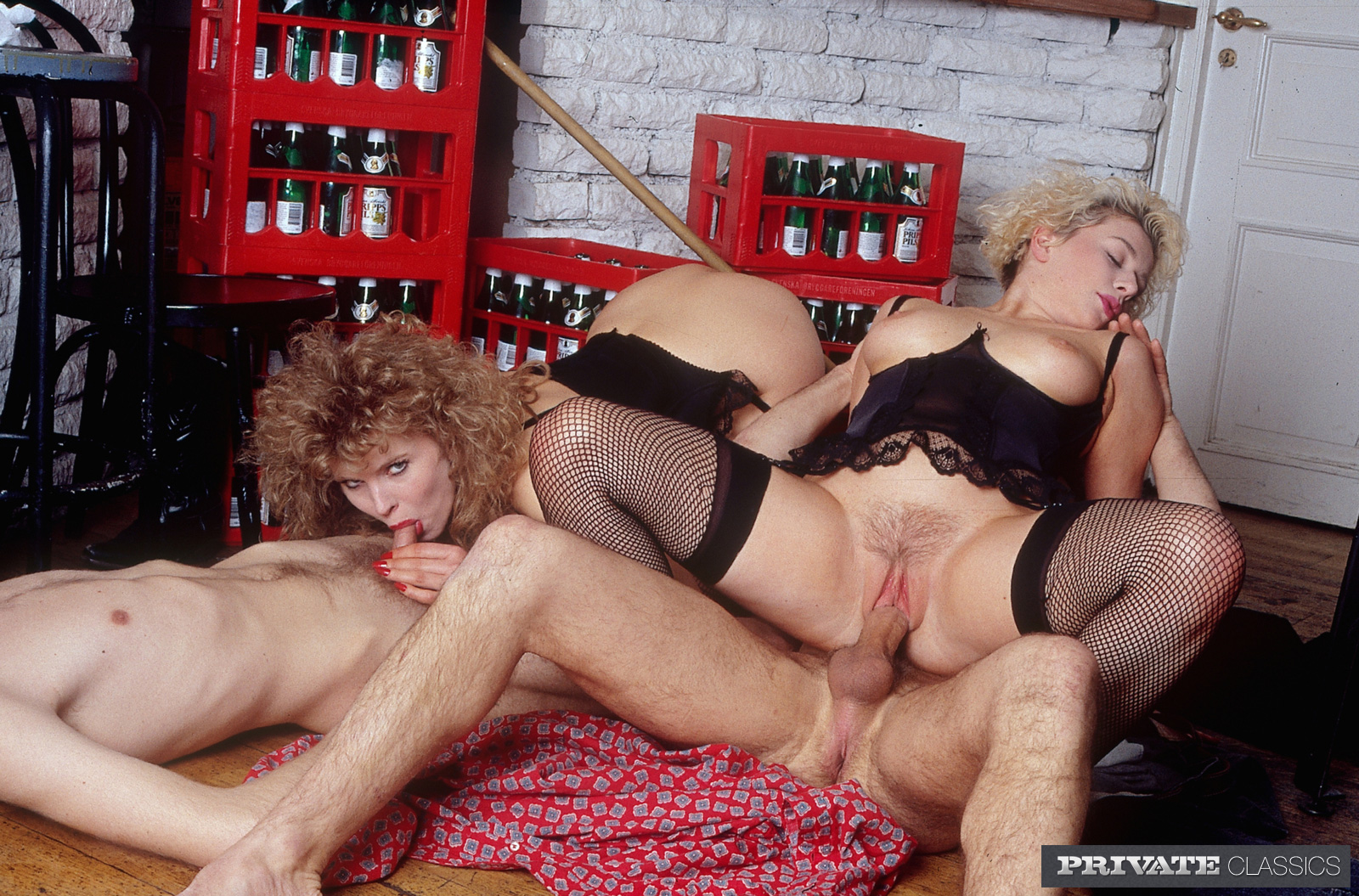 молодая страстная порно фильм зрелые дамы в действии долго потом лежали